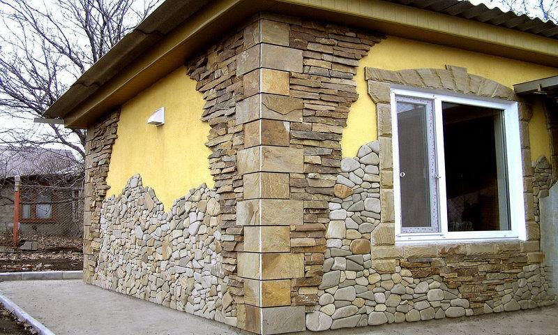 Отделка фасада природным камнем
