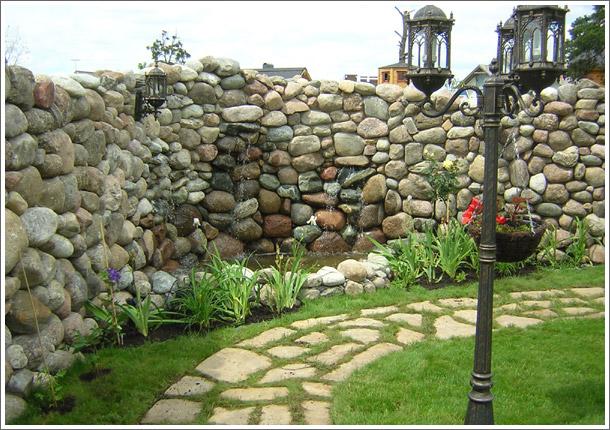 Опыт обустройства каменных заборов