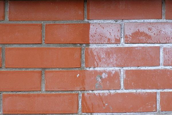 Очистка кирпича от цемента, известкового налета и соли, краски