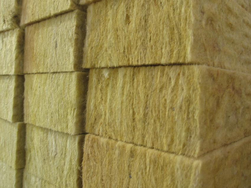 Преимущества строительной каменной ваты